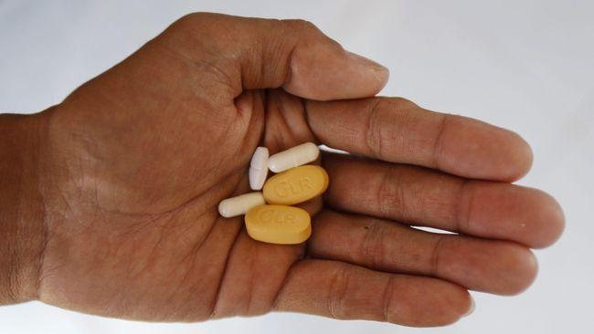 Antiretroviral (ARV) dianggap sebagai harapan baru bagi pengobatan HIV/AIDS, padahal terapi itu hanya meredam aktivitas virus dan mengurangi gejala.