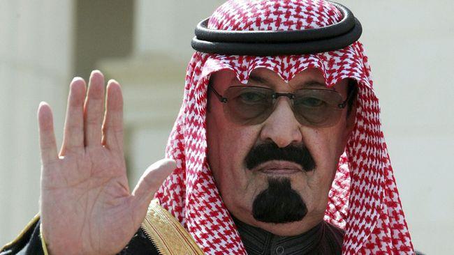 Raja Abdullah wafat pada Jumat (23/1) pagi, beberapa minggu setelah kantor berita Arab Saudi melaporkan ia masuk rumah sakit karena penumonia.