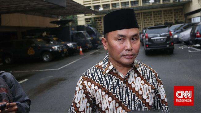 Gubernur Kalimantan Tengah Sugianto Sabran mengatakan pertambangan tak membuat warga lokal sejahtera, sementara lingkungan jadi semakin rusak.