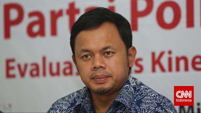 Menantu Rizieq mempertanyakan sikap Walkot Bogor Bima Arya yang mengumumkan saat mertuanya dirawat di RS Ummi.