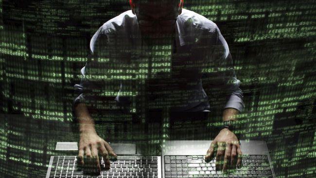 Kepala badan intelejen Amerika Serikat menanggapi soal tudingan pedapatan hard disk yang dilakukan oleh lembaganya.