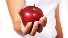 5 Alasan Buah Apel Ampuh Turunkan Berat Badan