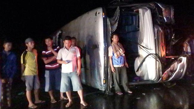 Sebuah bus dilaporkan masuk jurang di Veresjm provinsi Mazandaran, Iran pada Kamis (9/1) petang. Dilaporkan 19 tewas dan 24 korban luka-luka.