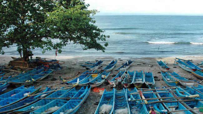 Setelah Edhy Prabowo ditangkap terkait implementasi Permen yang diterbitkannya, Serikat Nelayan desak pencabutan aturan izin ekspor benur.