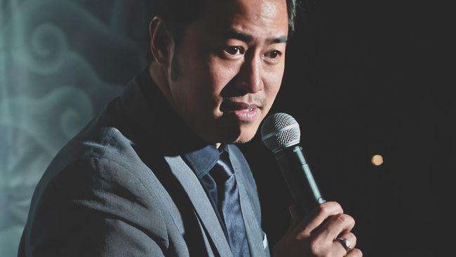 Pembawa acara sekaligus komika Pandji Pragiwaksono merespons hujatan netizen terkait komentarnya soal NU dan Muhammadiyah.