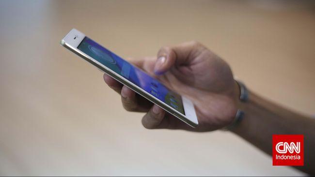Ponsel pintar harusnya bisa membuat kehidupan penggunanya lebih baik, tapi menurut riset perangkat tersebut justru bisa membuatnya pemakainya menjadi bodoh.
