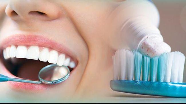 Jangan tunggu hingga berlubang hitam. Lakukan cara mencegah dan mengatasi gigi berlubang berikut agar terhindar dari risiko kehilangan gigi.