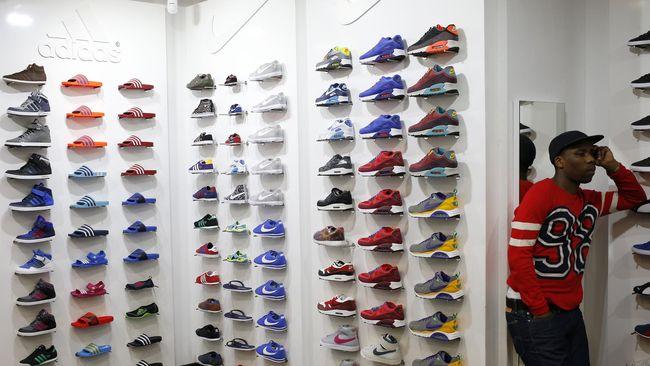 Sebanyak 1.000 produk yang terdiri dari mayoritas sneaker dan fesyen streatwear, akan dibanderol dengan harga Rp1.000 di acaraUrban Sneaker Society.