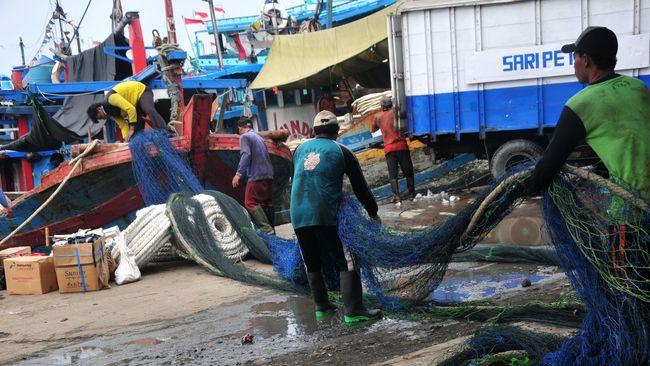 Kementerian Kelautan dan Perikanan (KKP) kembali mengizinkan penggunaan cantrang untuk menangkap ikan di perairan Indonesia.
