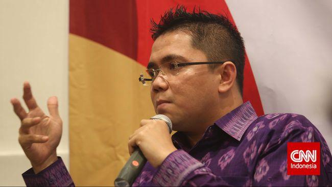 Anggota Komisi III DPR Arteria Dahlan menyerang balik Komnas HAM yang mengkritik Dewan soal pembahasan RUU Ciptaker di masa pandemi.