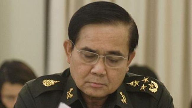 Ribuan warga yang dipimpin mahasiswa berunjuk rasa pada Minggu (16/8) menuntut PM Thailand Prayut Chan-o-cha turun dari kursi kekuasaan.