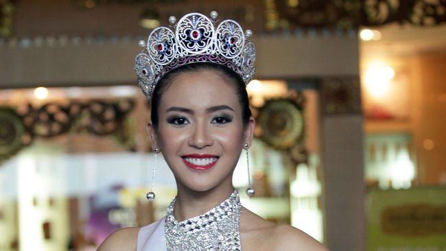 Sekalinya beradu akting dengan komika kocak Raditya Dika di film Single, Puteri Indonesia 2014 ini mengaku ketagihan.