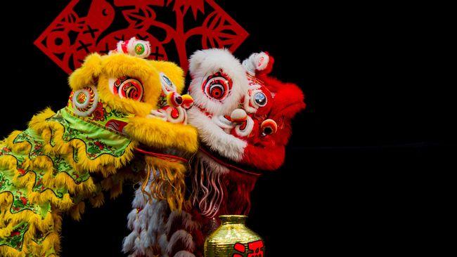 Alkisah, pada masa Dinasti Qing, di sebuah wilayah di Tiongkok, ada monster yang mengganggu ketenteraman penduduk setempat.