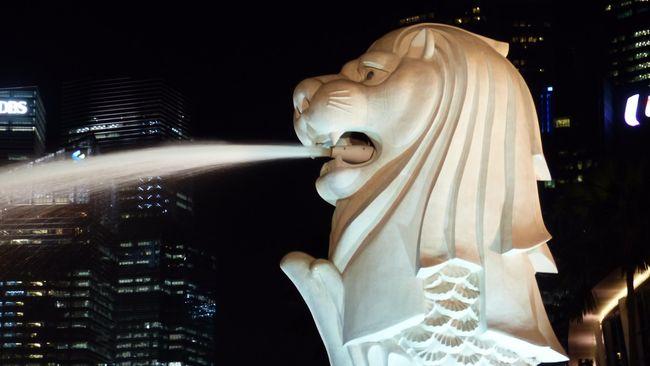 Kementerian Luar Negeri Singapura membantah tudingan Komisi Pemberantasan Korupsi (KPK) yang menyatakan negeri singa merupakan surga bagi koruptor.