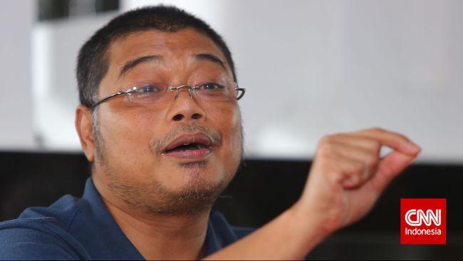 Stafsus BPIP Romo Benny menilai sikap tegas Mendikbud Nadiem Makarim terkait perkara siswi wajib berjilbab perlu disertai pengawasan regulasi di sekolah.