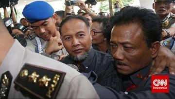 ICW Kritisi Etika Bambang Widjojanto Bela Prabowo-Sandi di MK