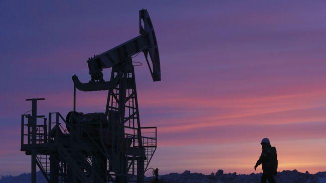 Harga minyak dunia menguat sepanjang pekan lalu, dipicu berhentinya sebagian aktivitas produksi minyak di wilayah Teluk Meksiko, AS akibat Badai Tropis Barry.