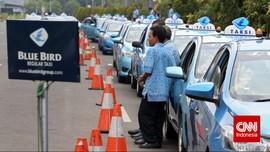 Bola Panas Corona Menggulung Nasib OB hingga Sopir Taksi