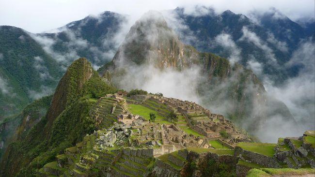 Kepolisian Peru menangkap enam turis asing karena buang air di Macchu Picchu.