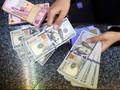 Anomali Sentimen, Rupiah Terus Melemah terhadap Dolar AS