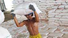 Pemerintah Masih Utang Subsidi Rp8 T ke Pupuk Indonesia