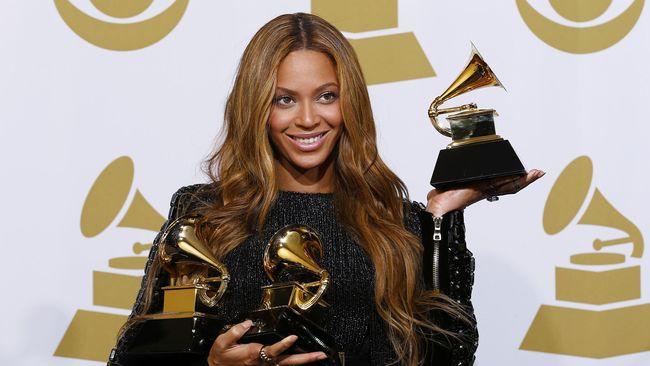 Raihan lewat video musik 'Formation' itu menjadi penghargaan Grammy ke-21 yang diraihnya. Beyonce mendapat sembilan nominasi di Grammy Awards 2017.