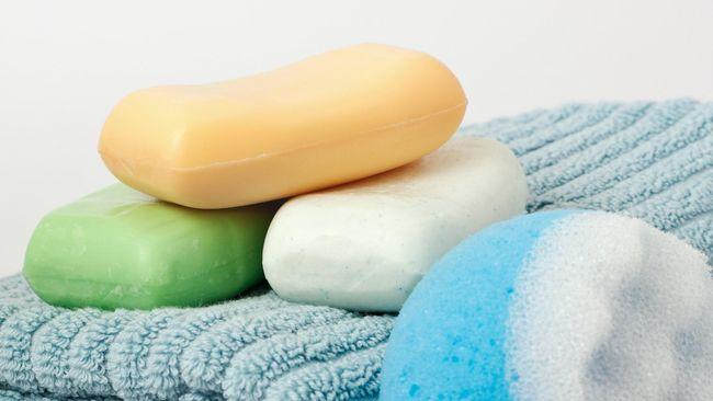 Mengapa sabun antibakteri tidak lebih efektif daripada sabun biasa dalam membunuh bakteri?