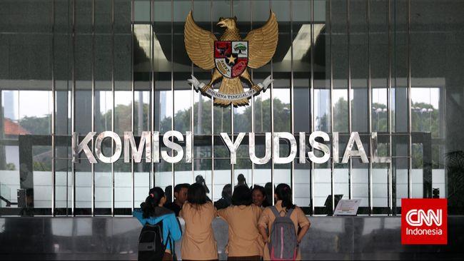 Ketua Komisi Yudisial Suparman Marzuki menganggap putusan BG menimbulkan keruwetan hukum dan bertentangan dengan reformasi MA, yaitu konsistensi putusan.