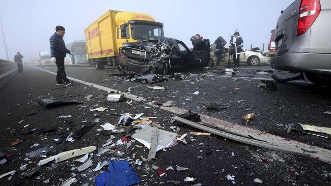 Sebuah kajian mencatat truk besar dengan ketinggian tertentu diharuskan menambah pengaman di bagian belakang dan samping untuk menekan angka kematian.