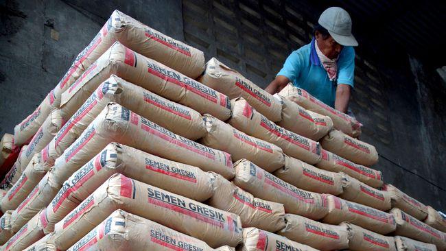 Menteri Perindustrian (Menperin) Airlangga Hartarto tak menampik adanya potensi penurunan harga semen pada 2018 karena pasokan yang membanjir.