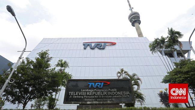 TVRI jadi sorotan karena kisruh antara Helmy Yahya dengan dewan pengawas. Perselisihan ini menambah pasang surut TVRI setelah jadi stasiun TV pertama Indonesia.