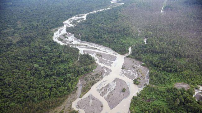 Perusahaan tambang emas sempat menawarkan kompensasi lahan warga Rp5 ribu per meter.
