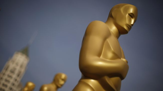 Film non-Hollywood memberi warna tersendiri, karena berbeda dari segi cerita, budaya, bahasa, juga alam dan lanskapnya.