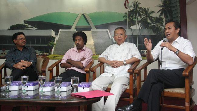 TKN Jokowi-Ma'ruf Amin meminta kepada Tim Hukum Prabowo-Sandi untuk tidak menyesatkan publik lewat tuduhan yang tidak benar.
