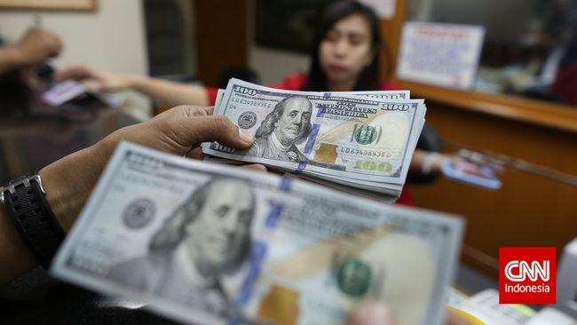 Rupiah menguat 35 poin ke posisi Rp14.855 per dolar AS pada perdagangan Senin (14/9) pagi atau hari pertama penerapan PSBB total.