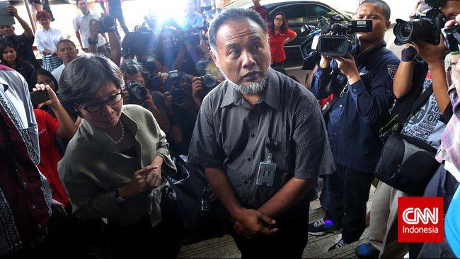 Sejumlah nama beken masuk dalam TGUPP DKI. Selain mantan Wakil Ketua KPK dan mantan Wakapolri, terdapat pula sosok aktivis HAM Nursyahbani Katjasungkana.