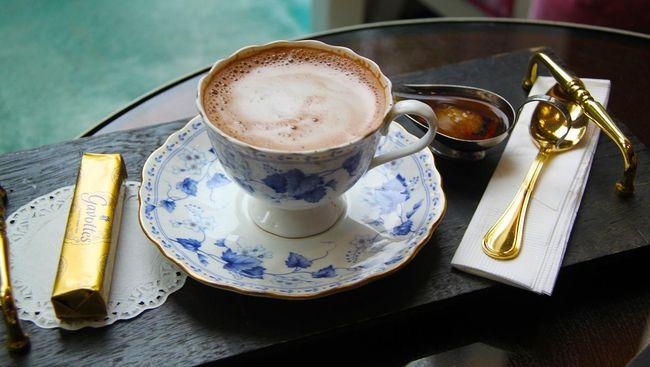 Sebuah penelitian terbaru mengungkapkan bahwa cokelat panas dapat melindungi jantung Anda, terutama pada saat-saat stres.