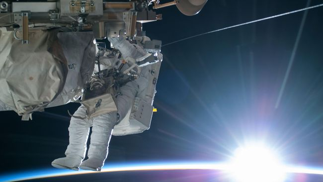 NASA Ungkap Alasan Spacewalk Wanita Gagal Gara-gara Baju