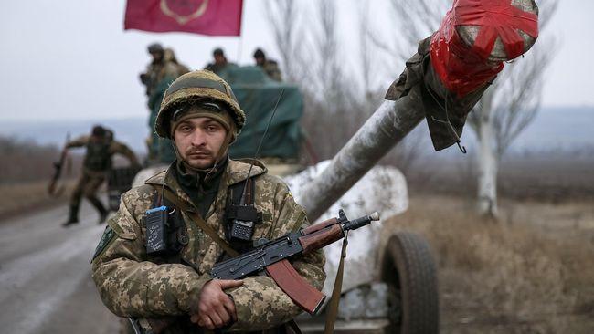 Parlemen Ukraina menyetujui pemberlakuan status darurat militer di wilayah perbatasan pada Senin (26/11).