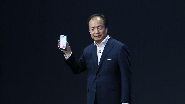 Berbagai cara telah dilakukan Samsung untuk mengalahkan Apple. Terakhir, mereka telah menyiapkan US$ 13,8 miliar untuk menjadi perusahaan nomer satu.