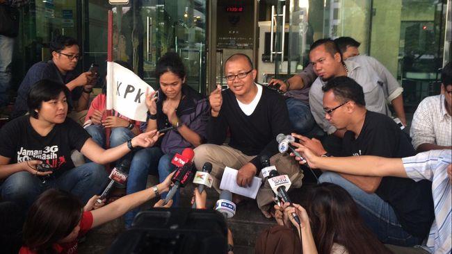 Indonesia Corruption Watch menilai hukuman pidana yang dijatuhkan terhadap terdakwa kasus korupsi masih terlalu ringan.