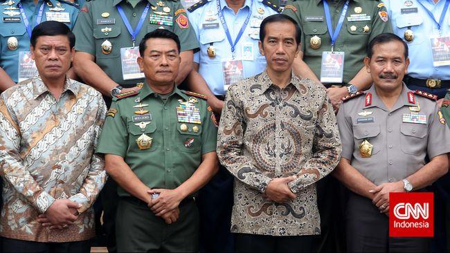 Sebelumnya Presiden Jokowi mengumpulkan perwakilan belasan perusahaan besar di Indonesia yang selama ini masih menggunakan mata uang asing seperti dolar AS.