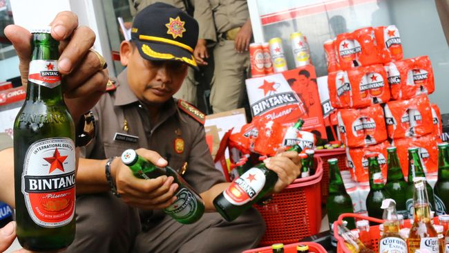 Wakil Gubernur DKI Jakarta Djarot Saiful Hidayat mengakui dirinya pernah menenggak minuman bir yang memiliki kadar alkohol di bawah lima persen.