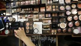 Masyarakat Sadar Bersolek, Industri Kosmetik Naik 20 Persen
