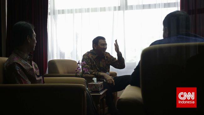 Walau kerap melontarkan celotehannya, Gubernur DKI Jakarta Basuki Tjahaja Purnama merasa sikapnya selama ini lebih baik dari yang ditunjukkan oleh DPRD.