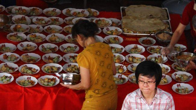 Lontong Cap Go Meh menjadi salah satu sajian khusus yang selalu ada pada akhir perayaan Tahun Baru China.