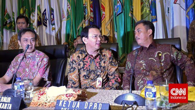 Gubernur DKI Jakarta Basuki Tjahaja Purnama mengatakan siap dipecat untuk mempertahankan tidak adanya anggaran siluman di DKI Jakarta.