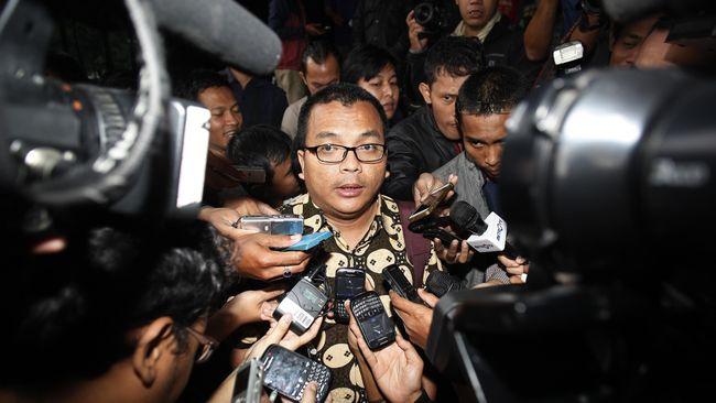Advokat Denny Indrayana tengah menyiapkan memori banding atas putusan PTUN yang membatalkan penyetopan reklamasi pulau H.