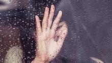 Yang Terjadi pada Tubuh saat Anda Merasa Kesepian
