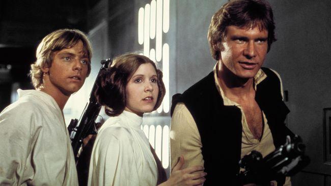 Sejak 1977, kala 'Star Wars: A New Hope' memulai seri waralaba hingga kini, penggemar lintas usia telah mengikuti gaya cepol dua ala karakter Princess Leia.